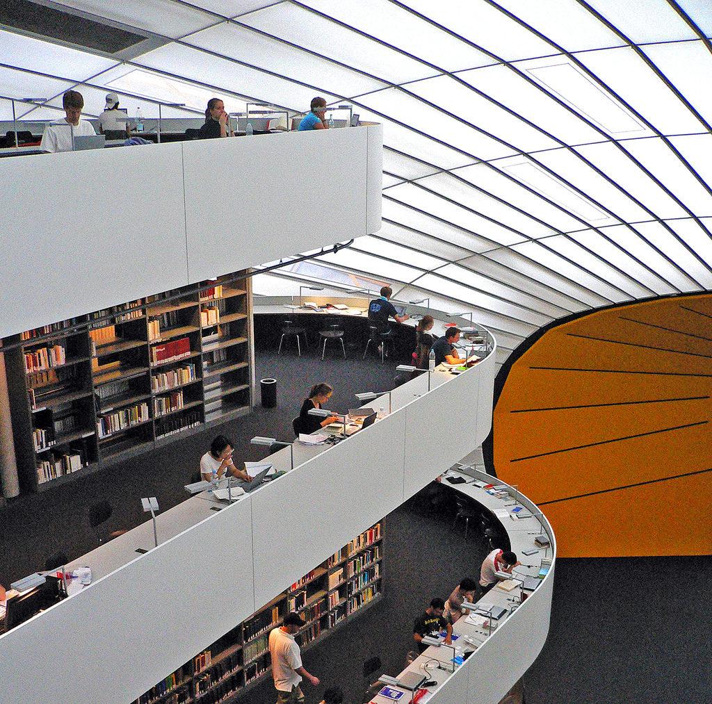 фото: библиотека Свободного Университета Берлина